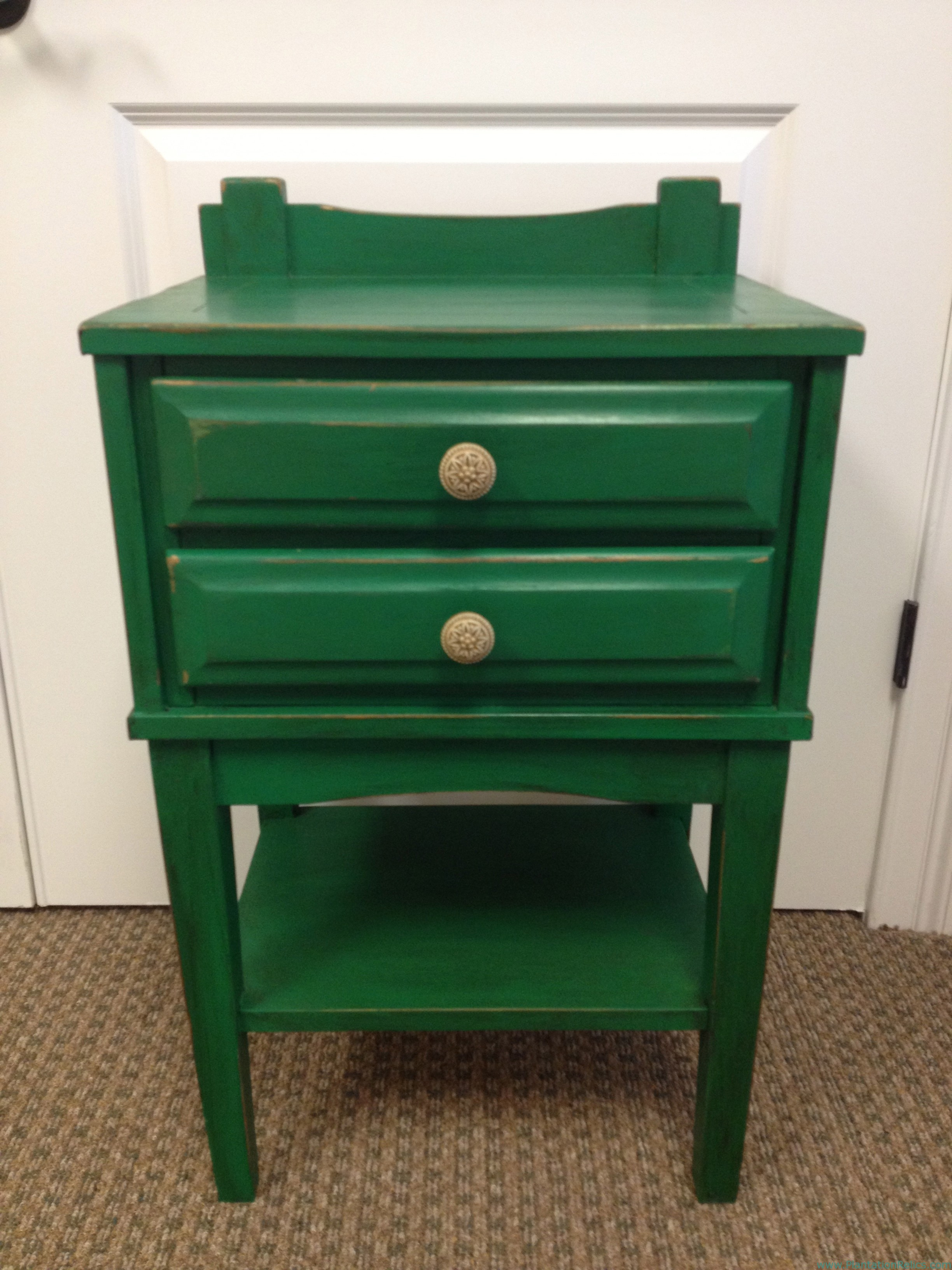 Emerald Nightstand Trying Out The 2013 Color Of The Year